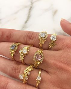 Love these sparkles on this rather cute hand @alexmonroejewellery • 712 likes