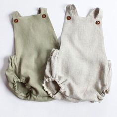 Linen Child Romper - Linen Toddler Romper - Classic Child Romper - Child Boy Coming Residence Outfit - New child Images Outfit Linen Child Garments 2020 Baby Outfits, Kids Outfits, Baby Boy Romper, Baby Dress, Baby Rompers, Neutral Baby Clothes, Unisex Baby Clothes, Babies Clothes, Babies Stuff