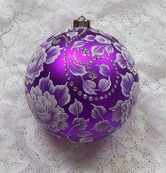 Christmas in Purple Roses Ornament Purple Christmas, Noel Christmas, Christmas Colors, All Things Christmas, Beautiful Christmas, Christmas Tree Ornaments, Christmas Crafts, Christmas Decorations, Coastal Christmas