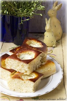 Camembert Cheese, French Toast, Breakfast, Desserts, Food, Morning Coffee, Meal, Deserts, Essen