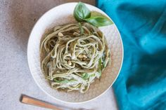 Super flavorful, creamy and vegan? If you're steering clear of dairy for any reason, you can now enjoy rich-tasting meals like this Vegan Alfredo.