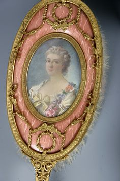 Antique pink brush with woman painted on the back of it. Trimmed in gold. Dresser Vanity, Dresser Sets, Vanity Decor, Vanity Set, Vanity Fair, Antique Vanity, Vintage Mirrors, Vintage Dressers, Vintage Vanity