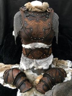 This stunning leather Armour complete with belt and shoulders is one of a…