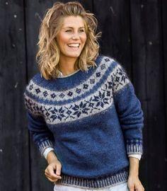 Sweater med stjernebort i Håndværksgarn Fair Isle Knitting Patterns, Jumper Patterns, Fair Isle Pattern, Sweater Knitting Patterns, Hand Knitting, Icelandic Sweaters, Nordic Sweater, Pulls, Knit Crochet