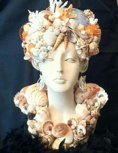 Mannequin head with seashells art - wow!