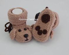 Knitting Baby Items Products 31 Ideas For 2019 Crochet Baby Boots, Knit Baby Booties, Knitted Baby, Baby Patterns, Crochet Patterns, Baby Sleepers, Baby Boys, Dog Baby, Baby Knitting