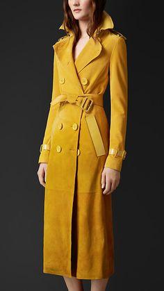 Amarelo narciso Trench Coat em camurça dégradé com acabamento envernizado - Imagem 1
