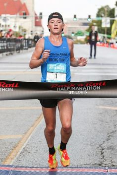 RunnersWeb  Athletics: Tyler Pence Dominated at Sunday's Rock 'n' Roll St. Louis Half Marathon