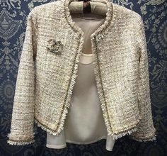 Used Luxury Item: Ткани Шанель – Ярмарка Мастеров – Prime to Know Chanel Tweed Jacket, Chanel Style Jacket, Boucle Jacket, Chanel Creme, Chanel Chanel, Mode Bcbg, Mode Costume, Chanel Couture, Chanel Fashion