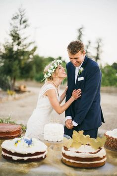 25 ideas for a one-tier wedding cake | Bridal Musings Wedding Blog