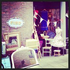 #Inside #Find #Vintage #TempleBar #Cowslane #Dublin#Find #Vintage #Ireland #Vintage #Vintagehomewares #market #Vintagefinds #Vintagehunting #Picker #Independentshop #Original #Irishcraft #recycle #redo #transformation #upcycle #paint #renovate #anniesloanchalkpaint™ www.findonline.ie