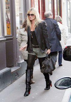 Kate Moss walking in Paris (January 15, 2011).