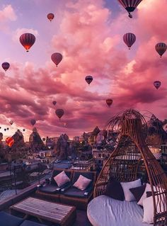cappadocia | turkey | travel | destination | destinations | dreamy | sunset | pink | balloons | air balloons | sky
