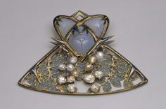 Mulberry Brooch with Beetles. Rene Lalique, (1860-1945) Circa 1900. Gold, pearls, enamel.