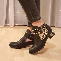 Stoc reactualizat  Ghete Obsession -> www.fshoes.ro <- #pretty #girl #design #model #shoes #heels #shopping #glam #fshoes #reduceri #bucuresti #romania #amazing #incaltaminte #pantofi #cizme #botine #picoftheday #instalike