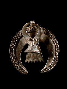 Africa | Buffalo pendant.  Bwa peoples of Burkina Faso | Bronze | ca. 1960