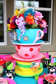 Alice in Wonderland centerpiece ;)