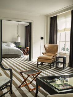 Rosewood London Premier Suite || Image courtesy of Rosewood London