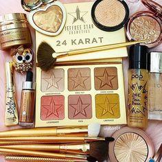Makeup Shop, Makeup Geek, Makeup Addict, Beauty Makeup, Star Makeup, Love My Makeup, Kiss Makeup, Makeup Brush Set, Highlighter Makeup