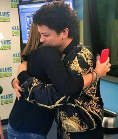 """I want to hug him.❤ #brunomars #hooligans #fans #idol #music"""