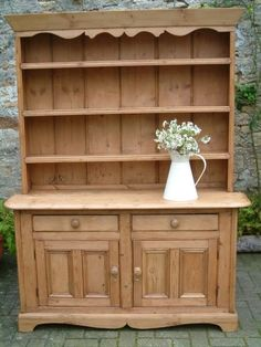 A rare Irish pine dresser - boyfriendsgoal Antique Pine Furniture, Country Furniture, Home Decor Furniture, Cool Furniture, Luxury Furniture, Irish Cottage Decor, Cottage Chic, Pine Bookcase, Bookcases