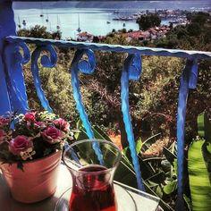 Selimiye'de sabahın ilk ışıkları.. Çay mı kahve mi istersiniz?☺️☕️  Flora Saadet Hotel ✨ Selimiye, Marmaris  0532-6815968  Detaylar blogda  www.kucukoteller.com.tr/flora-saadet-apart  Güne deniz manzarası ve dağ havasında uyanacağınız otelde manzara eşliğinde yapacağınız muhteşem bir kahvaltıdan sonra hemen masanızın yanında duran havuzun tadını çıkarabilirsiniz. Dilerseniz; kahvaltıdan sonra sabah saat tekne turlarıyla birbirinden muhteşem koyları keşfedebilirsiniz. Marmaris, Flora, Beautiful, Plants