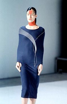 Hussein Chalayan  Repinned by www.fashion.net