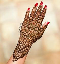 Mehndi henna designs are searchable by Pakistani women and girls. Women, girls and also kids apply henna on their hands, feet and also on neck to look more gorgeous and traditional. Indian Henna Designs, Latest Bridal Mehndi Designs, Full Hand Mehndi Designs, Mehndi Designs 2018, Modern Mehndi Designs, Mehndi Designs For Girls, Henna Art Designs, Mehndi Design Photos, Wedding Mehndi Designs