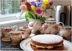 Photo by lucinda. Victoria Sponge Cake, Emma Bridgewater, Tea Time, Tea Cups, Bee, Honey Bees, Bees, Cup Of Tea