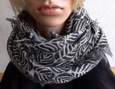 Schals - Großer Schal / Tuch in Schwarz und Grau - ein Designerstück von matteroftheheart bei DaWanda 59€