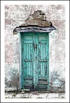 Puerta #5 | Flickr - Photo Sharing! The stone work above the door is beautiful.