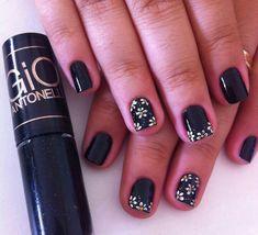 Square Oval Nails, Nail Ring, Book, Cover, Rings, Beauty, Enamel, Finger Nails, Black Nails