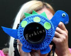 Artículos similares a Amigo de lente de cámara. Crochet cangrejo bicho rojo de cámara. Ayudante de fotógrafo en Etsy