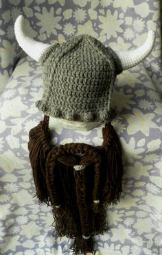 Viking Hat with Horns and Beard FREE crochet pattern Crochet Viking Hat, Crochet Beard, Crochet Quilt, Diy Crochet, Crochet Hats, Crochet Ideas, Knit Hats, Vikings, Crochet Costumes