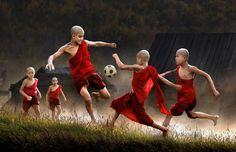 Magisch mooie foto's van spelende kinderen wereldwijd - Froot.nl