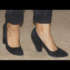 Deena & Ozzy Suede Pumps Deena & Ozzy suede pumps. Deena & Oozzy Shoes Heels