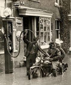 Ariel (BKP668), Zuid Engeland 1935 by -Tuuur- #flickstackr    Flickr: http://flic.kr/p/bNNBwB