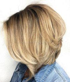 rövid+frizurák+50+felett+-+előre+hosszabbodó+bubi+frizura