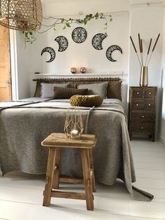 Bring a winter feel to your bedroom with Lunation metal wall art, blankets, pillows and gray textiles. Make the bedroom winter-like and very cozy!🧦 #hoagard Photo by Irene Burg Cozy Living Spaces, Living Room Decor, Metal Walls, Metal Wall Art, Wall Art Designs, Wall Design, Moon Decor, Home Art, Wall Art Decor