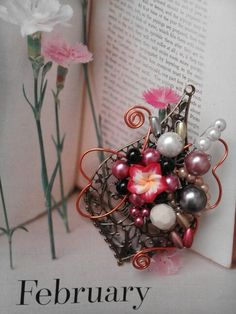 This is my favourite brooch .It makes me happy all the time!!!!