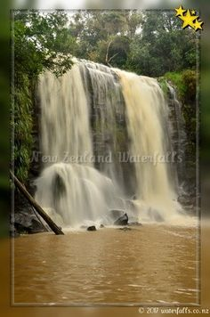 Te Wairere Waterfall, also known as Wairoa Stream Falls, is a hidden gem! The access to this waterfall was lost for more than 60 years; North Island New Zealand, Gravel Path, Bay Of Islands, Auckland, Main Street, Perfect Place, Paths, Photo Galleries, Waterfall