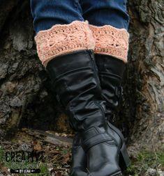 Icy Trellis Free Boot Cuff Pattern on Crochet Crochet Boots, Crochet Gloves, Crochet Slippers, Crochet Yarn, Free Crochet, Crochet Headbands, Knit Hats, Crochet Crafts, Crochet Stitches