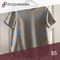 Floral Zara shirt Beautiful spring time floral Zara shirt! Only worn a couple times Zara Tops Blouses