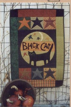 Country Threads :: Halloween Quilt Patterns :: Black Cat Wall Quilt Pattern