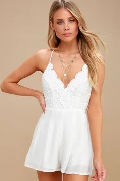This cute honeymoon romper features a scalloped lace bodice with V neckline, open back, and crisscrossing adjustable spaghetti straps. Rompers Dressy, Cute Rompers, White Lace Romper, White Dress, White Romper Outfit, Black Romper, White Jumpsuit, Honeymoon Outfits, Party Dresses