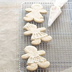 Move over gingerbread boys--make room for sugar and spice and all things nice. Chai tea, pumpkin pie spice, and molasses flavor this all-time favorite cutout cookie recipe.