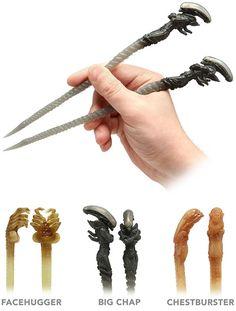 Alien Chopsticks by: Kotobukiya Alien Vs Predator, Predator Costume, Predator Movie, Giger Alien, Hr Giger, Xenomorph, Art Alien, Female Thor, Aliens Movie