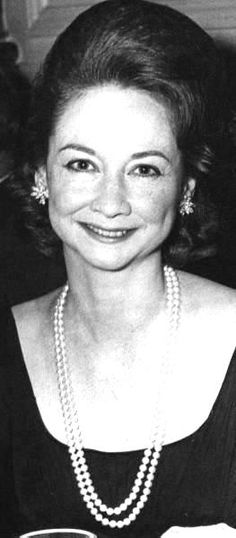 Dorothy Kilgallen was another reporter who died strangely and suddenly after her involvement in the Kennedy assassination. Miss Kilgallen is the only journalist who was granted a private interview with Jack Ruby after he killed Lee Harvey Oswald. John F Kennedy, Caroline Kennedy, Women In History, World History, Kennedy Assassination, Mystery Of History, Interesting History, Interesting Stories, Jfk Jr