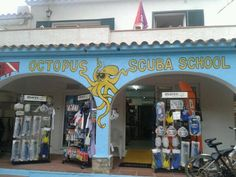 Escola de submarinisme Octopus, a la platja de Pals