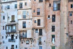 Casas colgantes de cuenca Home Again, Cityscapes, Set Design, Homes, Abstract, Artwork, Photography, Rustic Style, Pendants